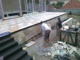 Znojmo- terasa s lepenou dlažbou na rohoži (3)